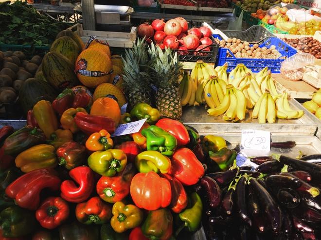 Trải nghiệm của cô gái Việt trên đất Ý: đi chợ nông dân mua rau quả, được khuyến mại niềm vui - Ảnh 16.