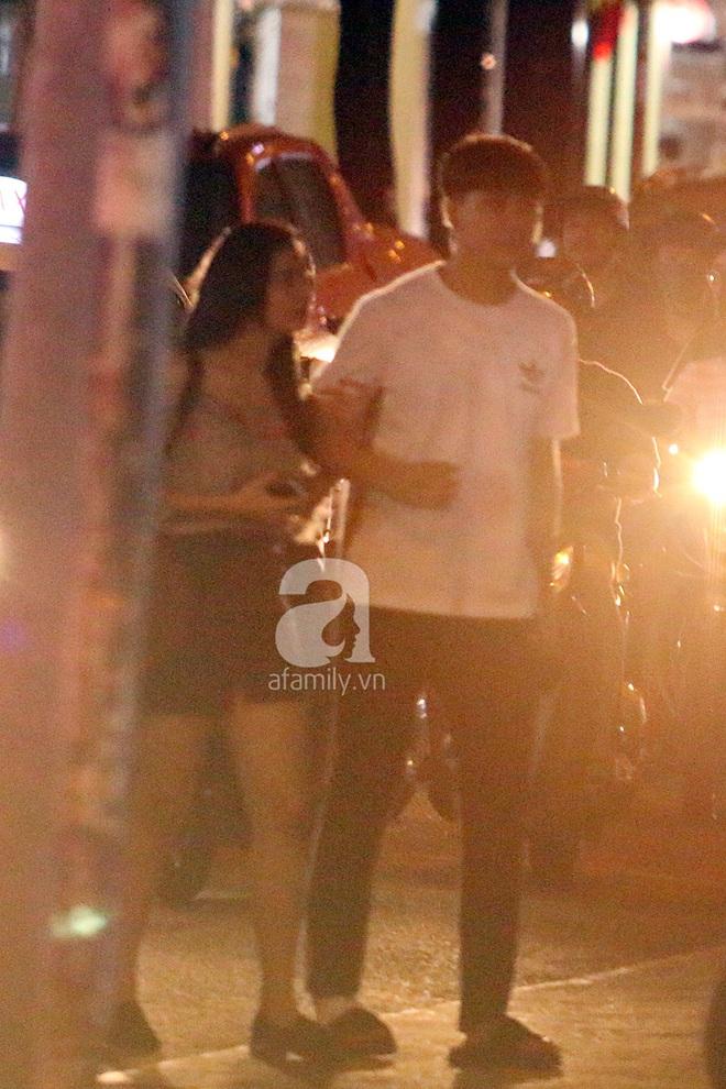 Độc quyền: Trương Quỳnh Anh - Tim tình tứ khoác tay nhau tại nơi công cộng sau khi xuất hiện tin ly hôn - Ảnh 2.