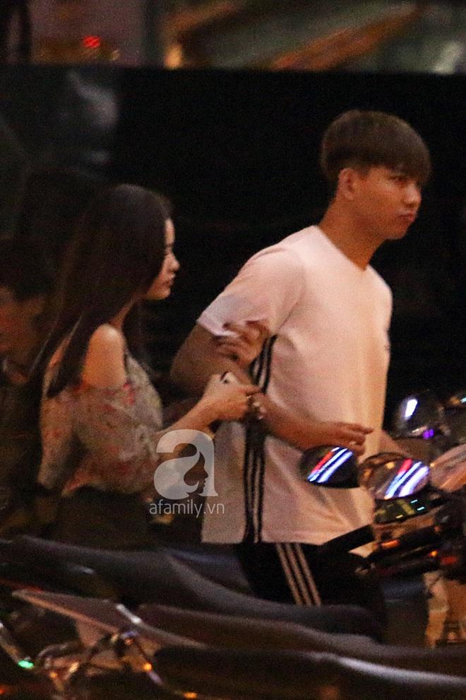 Độc quyền: Trương Quỳnh Anh - Tim tình tứ khoác tay nhau tại nơi công cộng sau khi xuất hiện tin ly hôn - Ảnh 3.