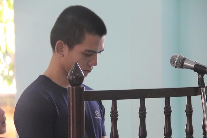 Giao cấu với chị 16 tuổi có bầu, nam thanh niên dâm ô với em gái 13 tuổi, VKS chỉ đề nghị 15-18 tháng tù - Ảnh 12.