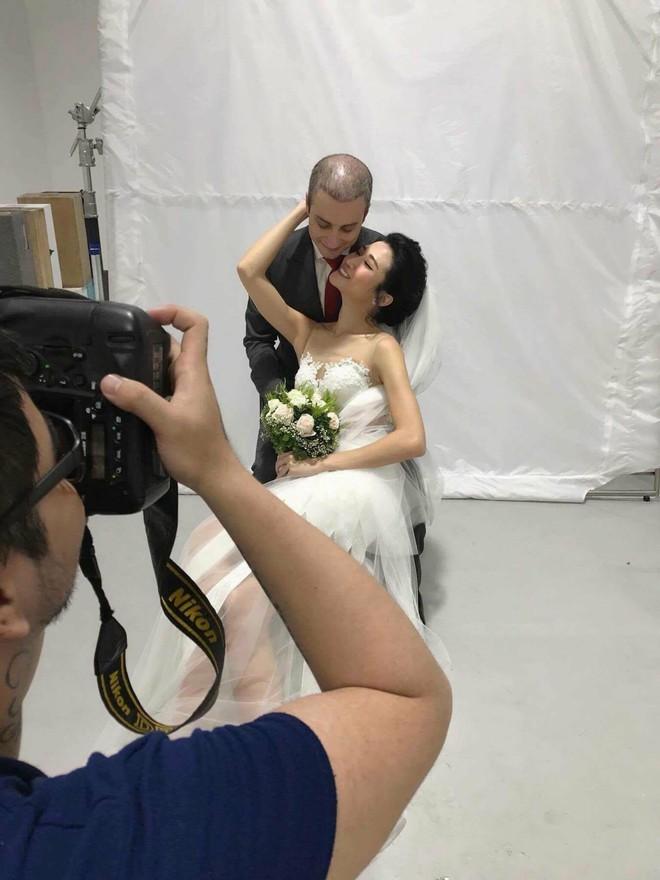 Á quân Next Top Model 2012 Kha Mỹ Vân lên xe hoa với chồng Tây tại Paris - Ảnh 1.