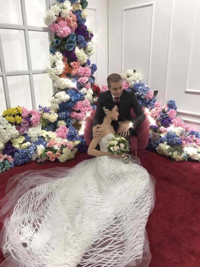 Á quân Next Top Model 2012 Kha Mỹ Vân lên xe hoa với chồng Tây tại Paris - Ảnh 3.
