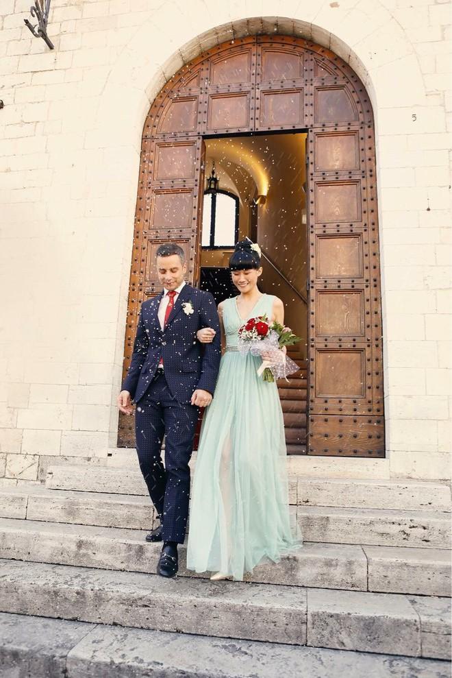 Á quân Next Top Model 2012 Kha Mỹ Vân lên xe hoa với chồng Tây tại Paris - Ảnh 6.
