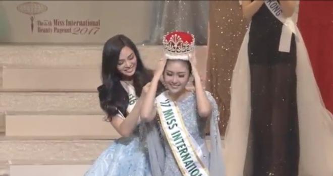 Người đẹp Indonesia đăng quang Miss International 2017, Thùy Dung trượt Top 15 - Ảnh 2.