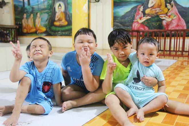 22 đứa trẻ mồ côi, bị bố mẹ bỏ rơi tại Tịnh xá Ngọc Tuyền: Chúng con thèm được cô chú ẵm bồng - Ảnh 8.