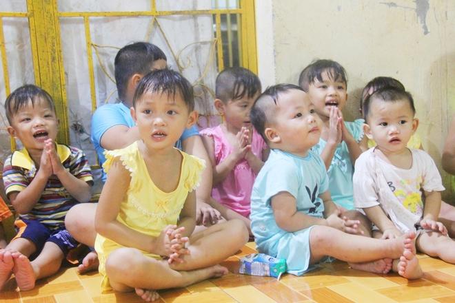 22 đứa trẻ mồ côi, bị bố mẹ bỏ rơi tại Tịnh xá Ngọc Tuyền: Chúng con thèm được cô chú ẵm bồng - Ảnh 14.