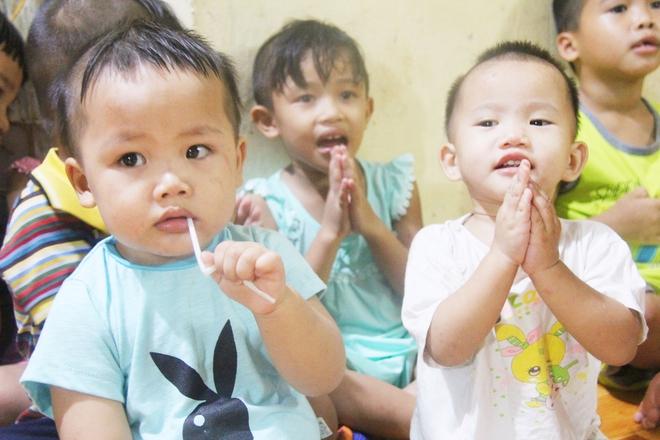 22 đứa trẻ mồ côi, bị bố mẹ bỏ rơi tại Tịnh xá Ngọc Tuyền: Chúng con thèm được cô chú ẵm bồng - Ảnh 19.
