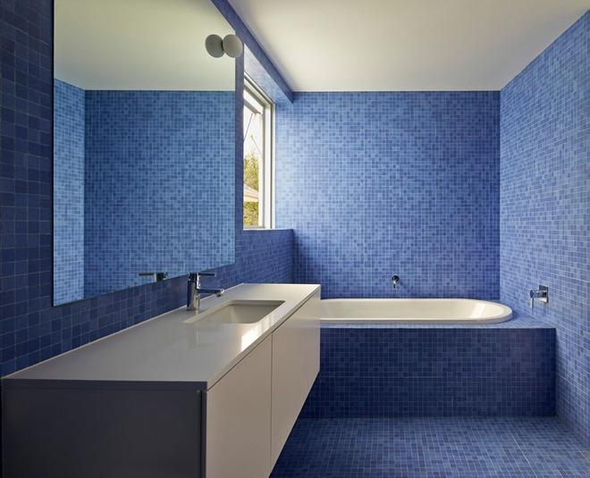 Thổi bay cảm giác oi bức ngày hè với phòng tắm xanh – trắng mát lịm - Ảnh 13.