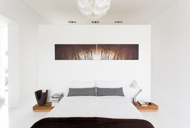 7 cách trang trí đầu giường tạo điểm nhấn cho phòng ngủ - Ảnh 3.