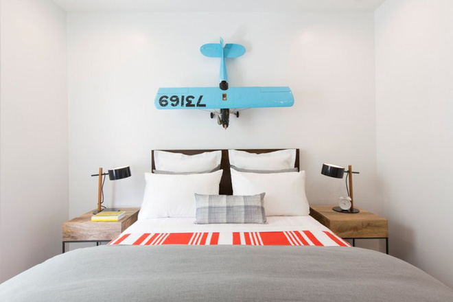 7 cách trang trí đầu giường tạo điểm nhấn cho phòng ngủ - Ảnh 6.