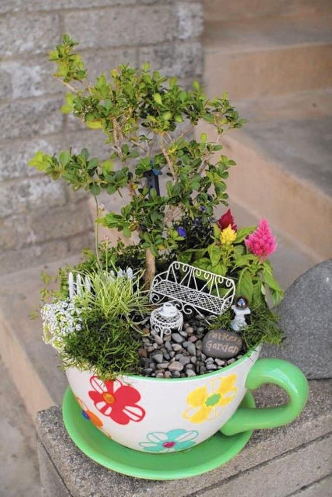 12 cách biến tấu tách trà uống nước thành đồ vật trang trí nhà đẹp mắt - Ảnh 8.