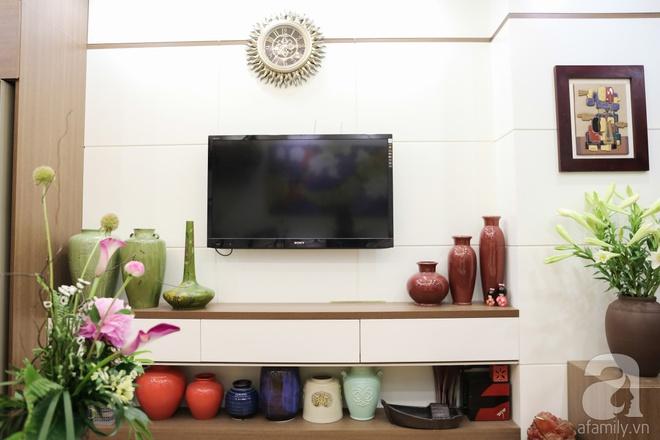 Căn hộ bé xinh chỉ toàn gốm và hoa của mẹ đơn thân ở Định Công, Hà Nội - Ảnh 4.