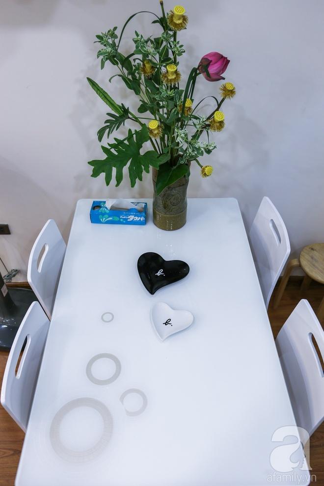 Căn hộ bé xinh chỉ toàn gốm và hoa của mẹ đơn thân ở Định Công, Hà Nội - Ảnh 10.