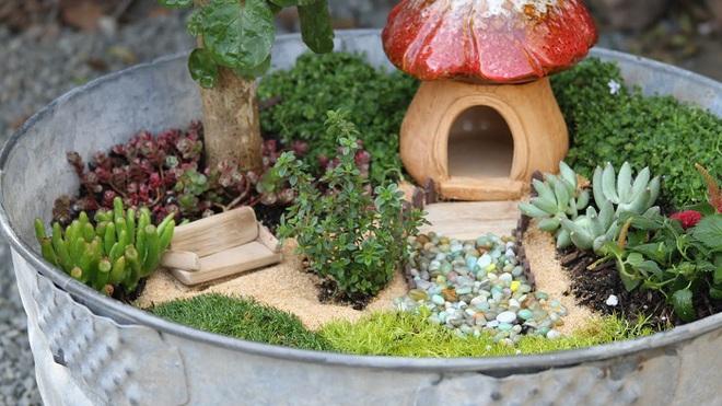 Khu vườn ở sân sau nhà sẽ trở thành chốn thần tiên nếu biết sử dụng những đồ trang trí như thế này - Ảnh 1.