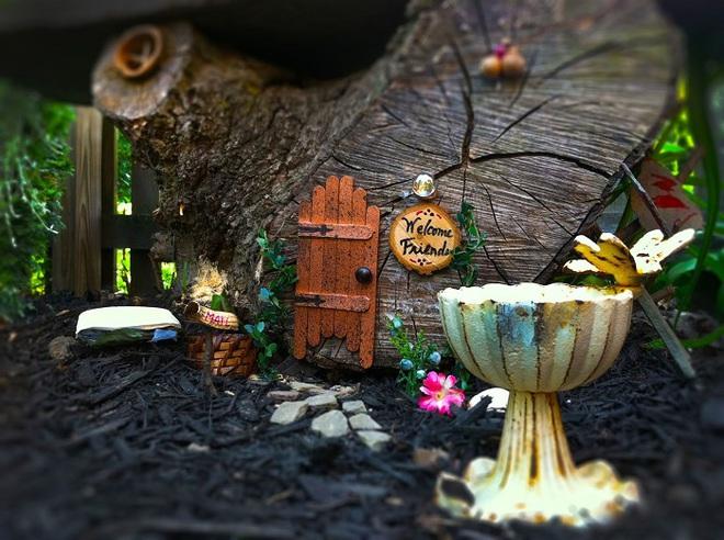 Khu vườn ở sân sau nhà sẽ trở thành chốn thần tiên nếu biết sử dụng những đồ trang trí như thế này - Ảnh 7.