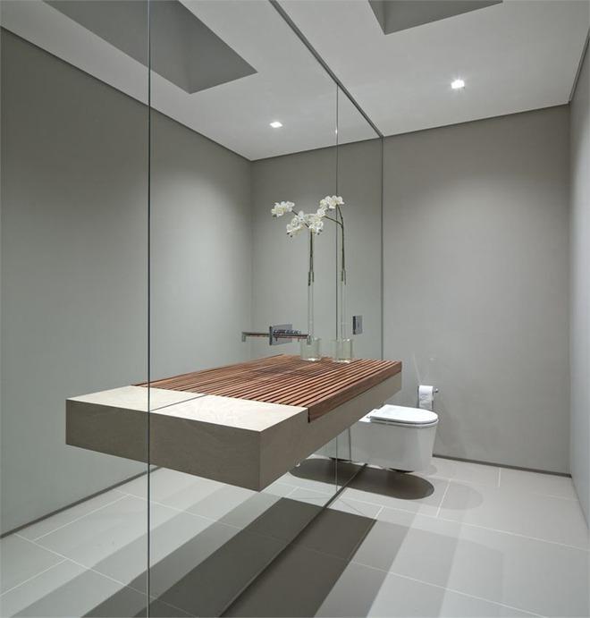Chẳng cần nhiều, một chiếc bồn rửa tay bằng gỗ cũng đủ mang nét tự nhiên ngập tràn phòng tắm - Ảnh 6.