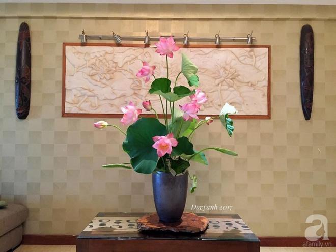 Những cách cắm hoa sen khiến vạn người mê của hai ông bố trẻ - Ảnh 4.