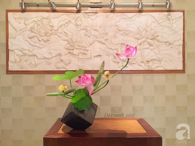 Những cách cắm hoa sen khiến vạn người mê của hai ông bố trẻ - Ảnh 5.