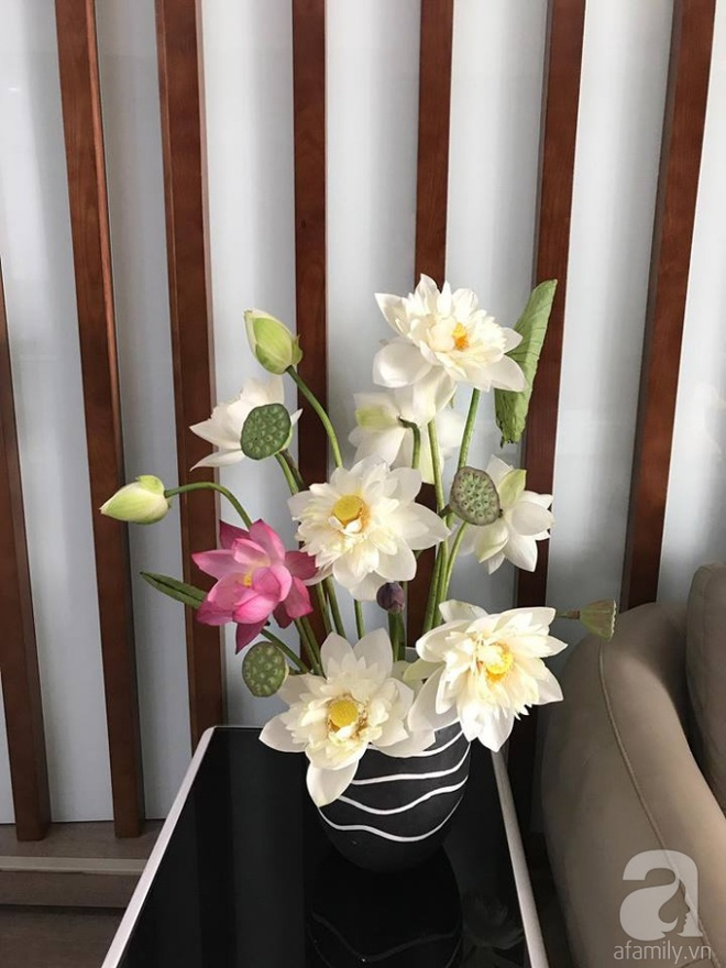 Những cách cắm hoa sen khiến vạn người mê của hai ông bố trẻ - Ảnh 10.