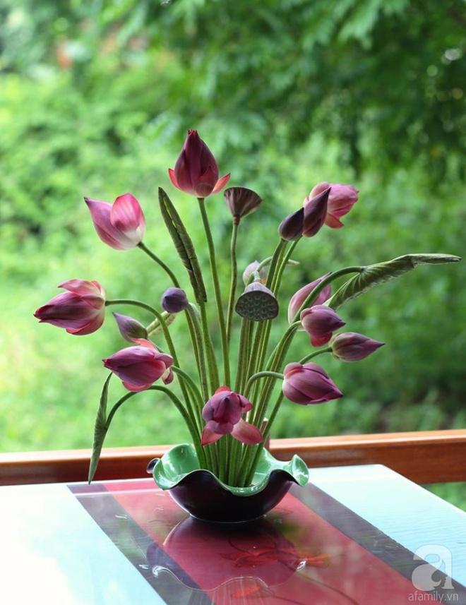 Những cách cắm hoa sen khiến vạn người mê của hai ông bố trẻ - Ảnh 16.