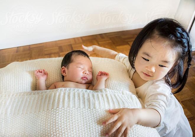 Những điều chẳng ai nói cho bạn biết khi có một đứa trẻ 2 tuổi trong nhà - Ảnh 3.