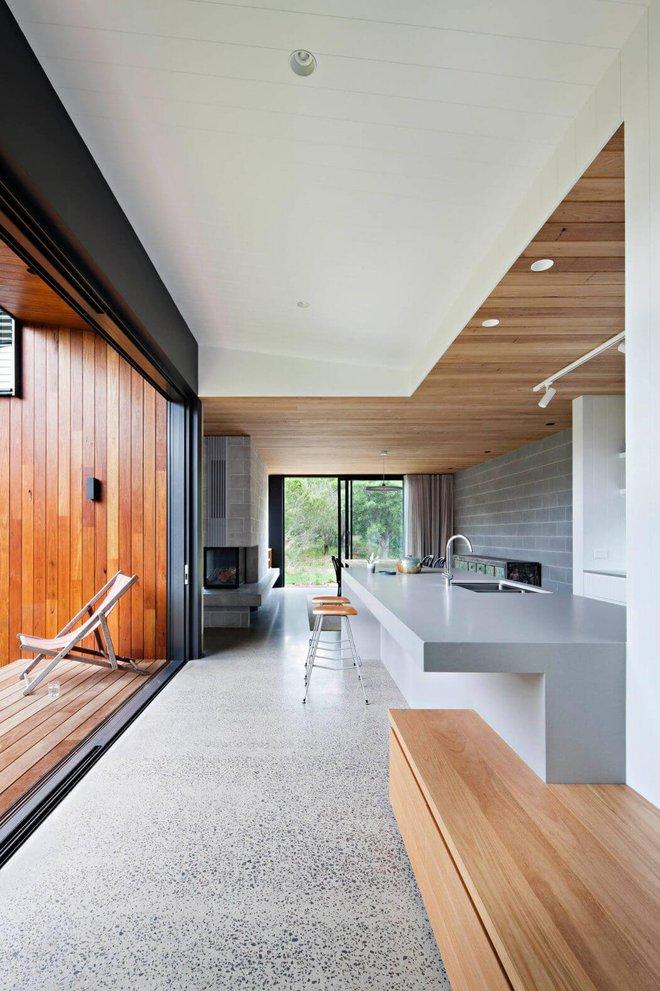 Ngôi nhà nằm giữa núi rừng gây ngạc nhiên vì quá đẹp và thơ mộng - Ảnh 3.