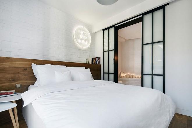 Thay đổi kết cấu của những bức tường, căn hộ này đem đến cho bạn vô vàn ý tưởng sáng tạo - Ảnh 2.