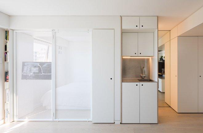 Áp dụng cách thiết kế của người Nhật, căn hộ 24m² trở nên rộng rãi và thoáng mát đến khó tin - Ảnh 3.