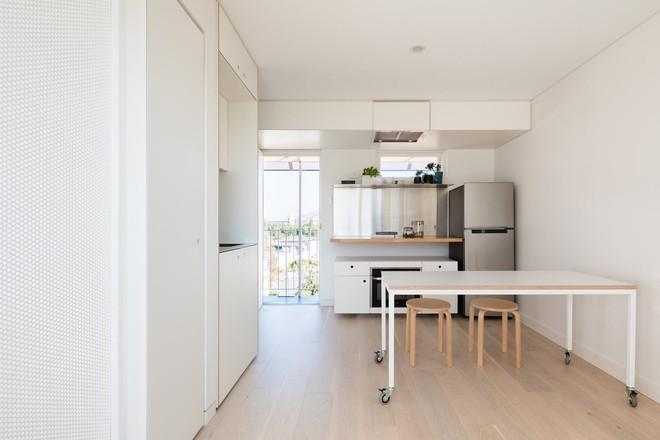 Áp dụng cách thiết kế của người Nhật, căn hộ 24m² trở nên rộng rãi và thoáng mát đến khó tin - Ảnh 5.