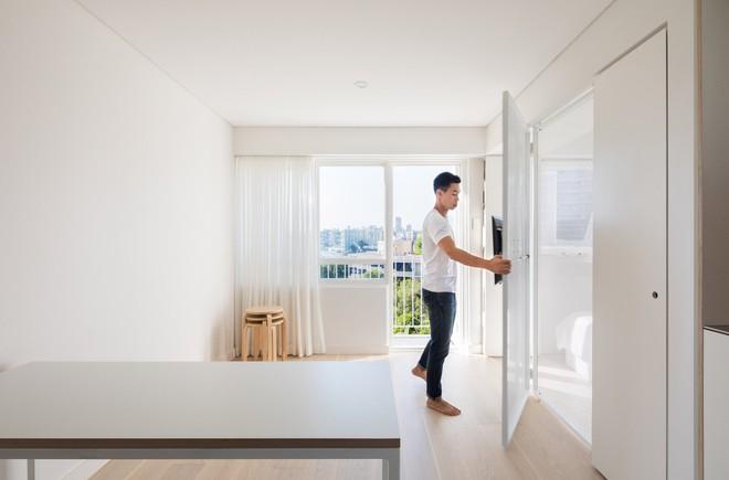Áp dụng cách thiết kế của người Nhật, căn hộ 24m² trở nên rộng rãi và thoáng mát đến khó tin - Ảnh 6.