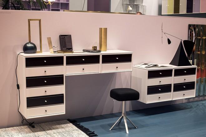 Những mẫu bàn làm việc gọn nhẹ giúp bạn có ngay văn phòng tại nhà dù nhà không rộng rãi  - Ảnh 5.