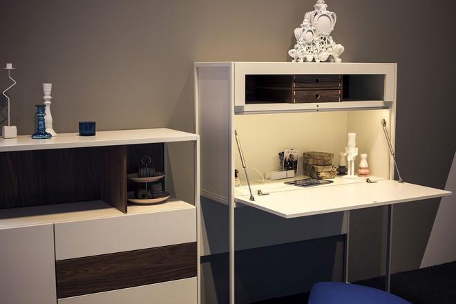 Những mẫu bàn làm việc gọn nhẹ giúp bạn có ngay văn phòng tại nhà dù nhà không rộng rãi  - Ảnh 6.
