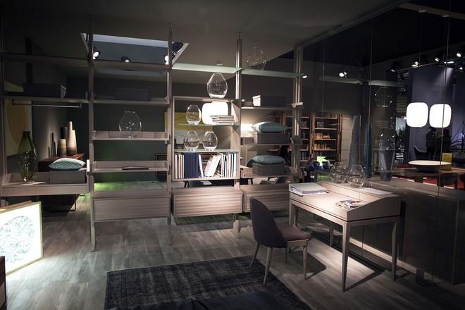 Những mẫu bàn làm việc gọn nhẹ giúp bạn có ngay văn phòng tại nhà dù nhà không rộng rãi  - Ảnh 8.