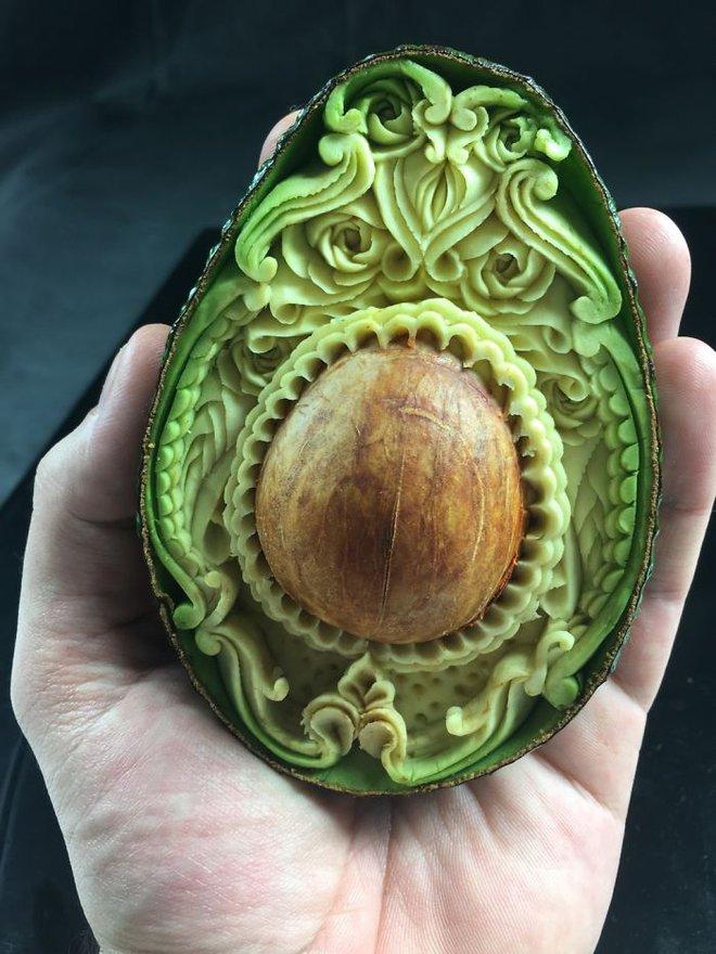 Nghệ sĩ tài ba biến rau quả thành tác phẩm điêu khắc thu hút mọi ánh nhìn - Ảnh 1.
