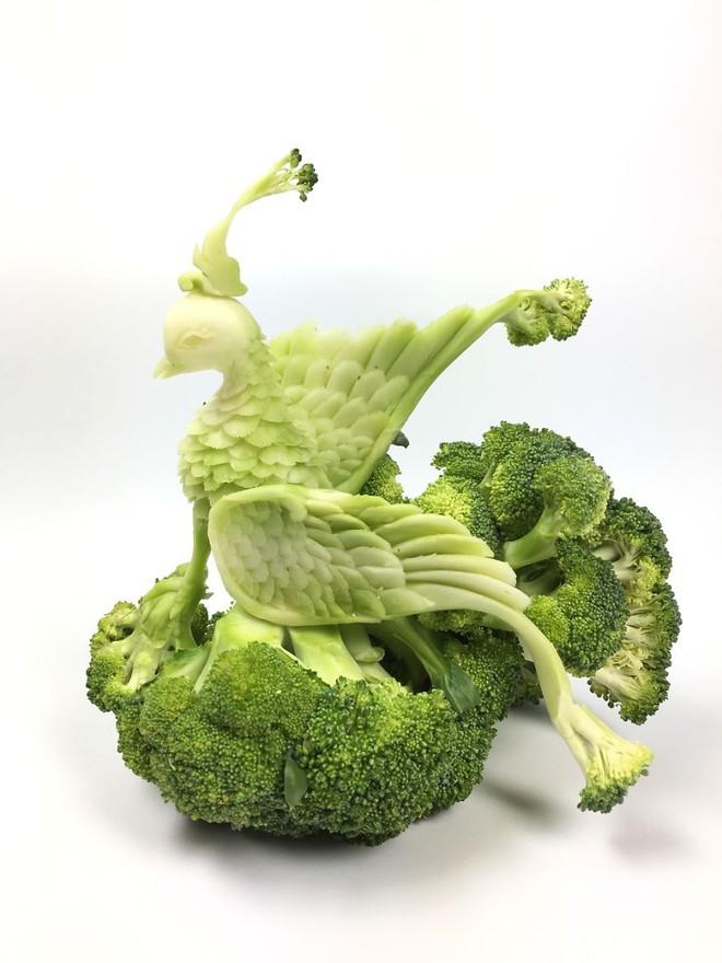 Nghệ sĩ tài ba biến rau quả thành tác phẩm điêu khắc thu hút mọi ánh nhìn - Ảnh 13.