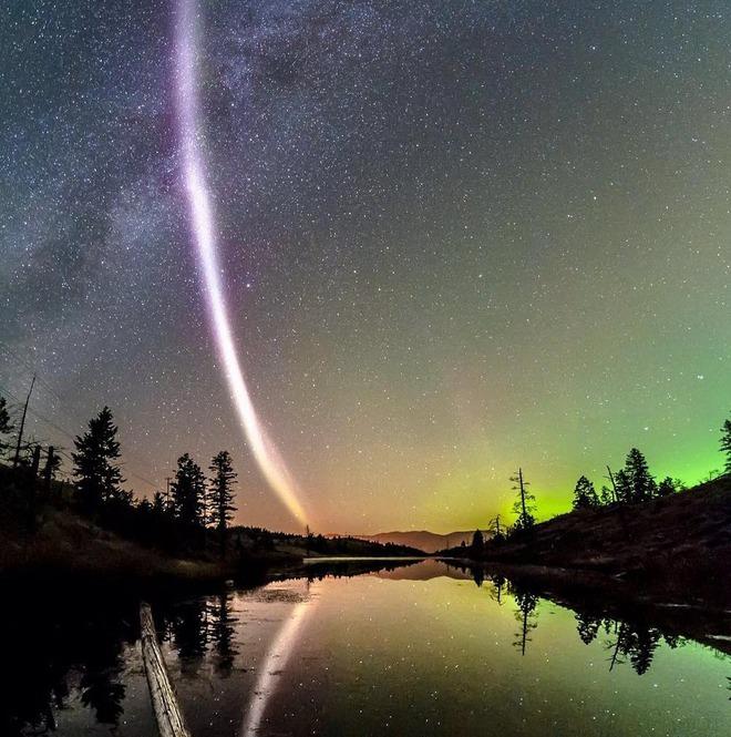 Hiện tượng mới trên bầu trời còn kỳ lạ hơn cực quang - Ảnh 2.