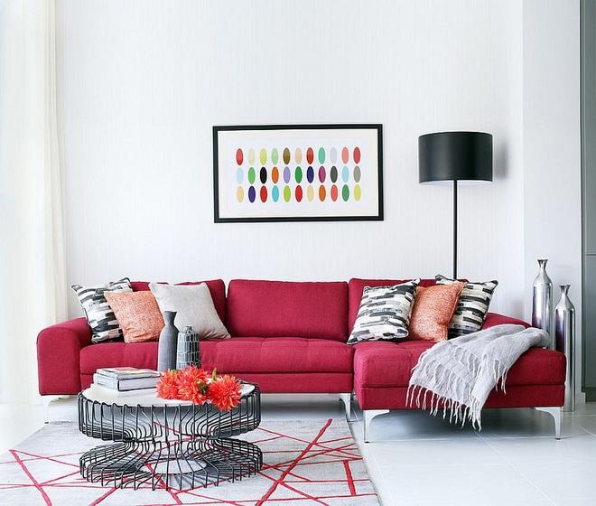 Xu hướng sử dụng ghế sofa màu đậm đang dần lên ngôi trong công cuộc tạo điểm nhấn cho phòng khách - Ảnh 1.