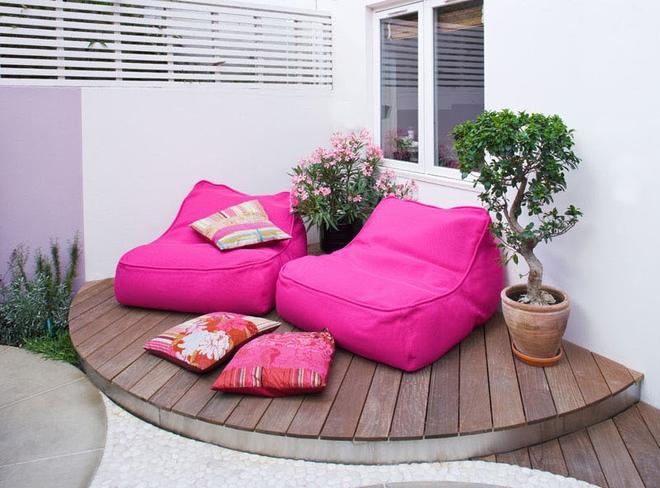 Thiết kế mảnh sân sau thành góc thư giãn đẹp mê mẩn với điểm nhấn lãng mạn từ màu hồng - Ảnh 3.