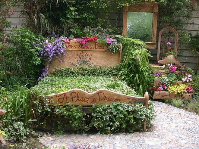20 cách tạo luống hoa đẹp như chốn mê cung cho khu vườn mùa hè - Ảnh 9.