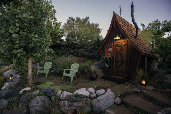 Ngôi nhà gỗ đẹp diệu kỳ như bước ra từ truyện cổ tích - Ảnh 11.