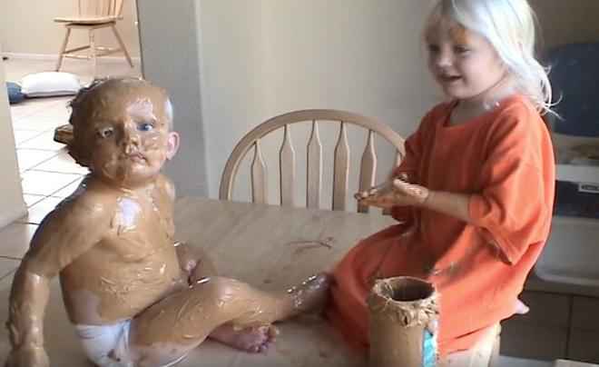 Nếu chưa hình dung nhà có trẻ con sẽ như thế nào, bạn chỉ cần xem những hình ảnh này - Ảnh 2.