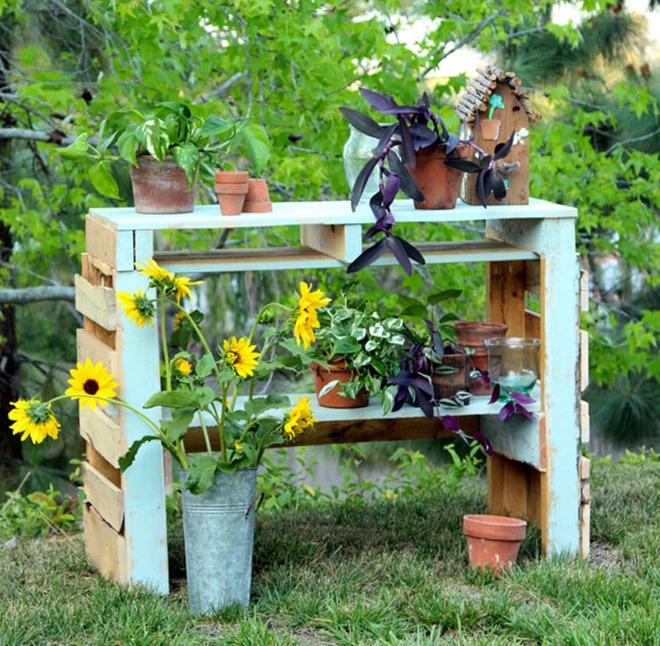 Những cách đơn giản để tạo nên khu vườn đẹp tuyệt từ gỗ pallet - Ảnh 4.