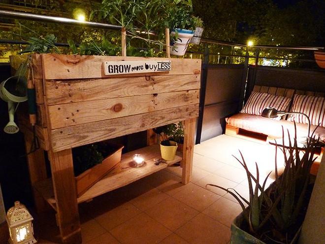 Những cách đơn giản để tạo nên khu vườn đẹp tuyệt từ gỗ pallet - Ảnh 8.
