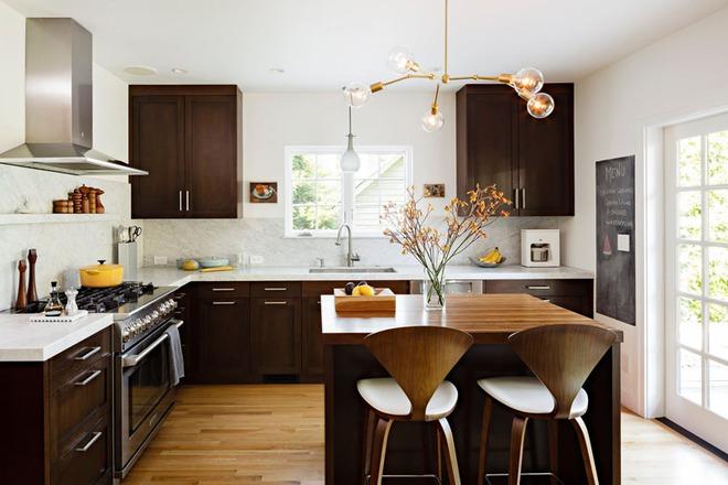 Mãn nhãn với những căn bếp đẳng cấp sử dụng chất liệu gỗ sẫm màu - Ảnh 3.