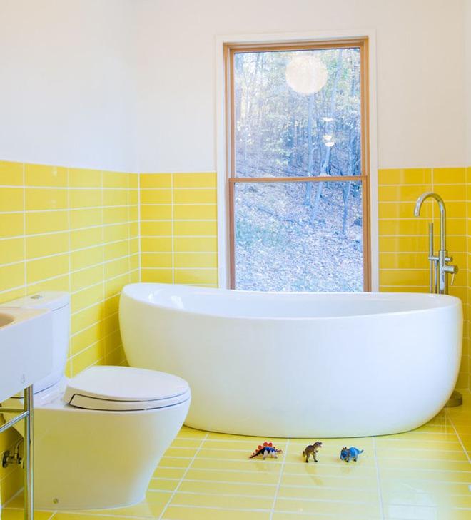 Những căn phòng tắm với sắc vàng tươi khiến bạn thấy sảng khoái ngay khi vừa bước vào - Ảnh 2.
