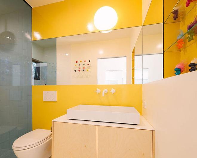 Những căn phòng tắm với sắc vàng tươi khiến bạn thấy sảng khoái ngay khi vừa bước vào - Ảnh 6.