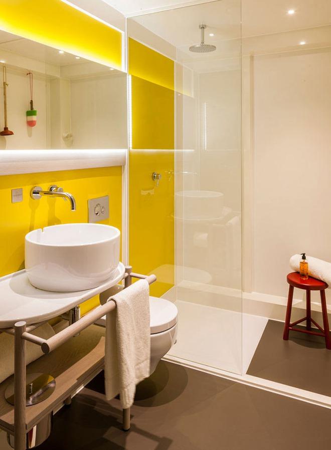 Những căn phòng tắm với sắc vàng tươi khiến bạn thấy sảng khoái ngay khi vừa bước vào - Ảnh 7.