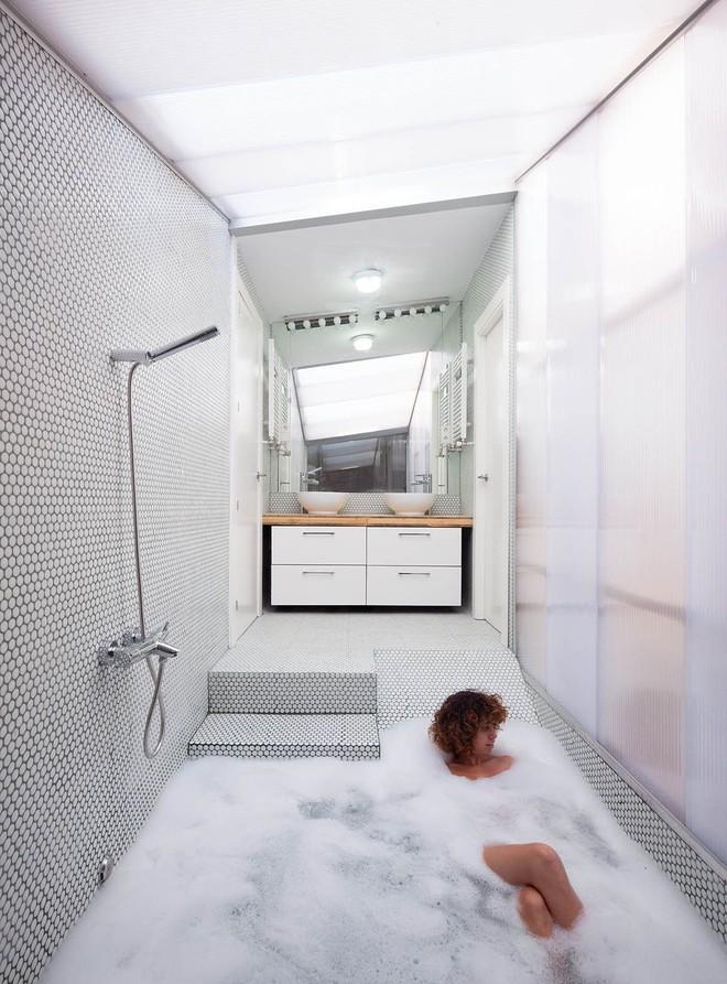Chiêm ngưỡng những thiết kế bồn tắm chìm khơi dậy cảm hứng ngay từ cái nhìn đầu tiên - Ảnh 1.