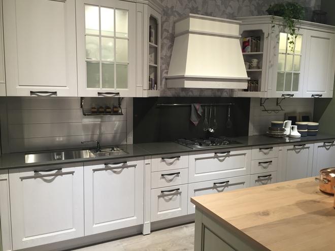 5 kiểu tủ bếp thủy tinh sẽ khiến nhà bếp trở nên đẹp lung linh hơn bao giờ hết - Ảnh 6.