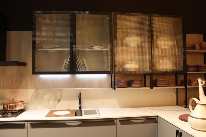 5 kiểu tủ bếp thủy tinh sẽ khiến nhà bếp trở nên đẹp lung linh hơn bao giờ hết - Ảnh 8.